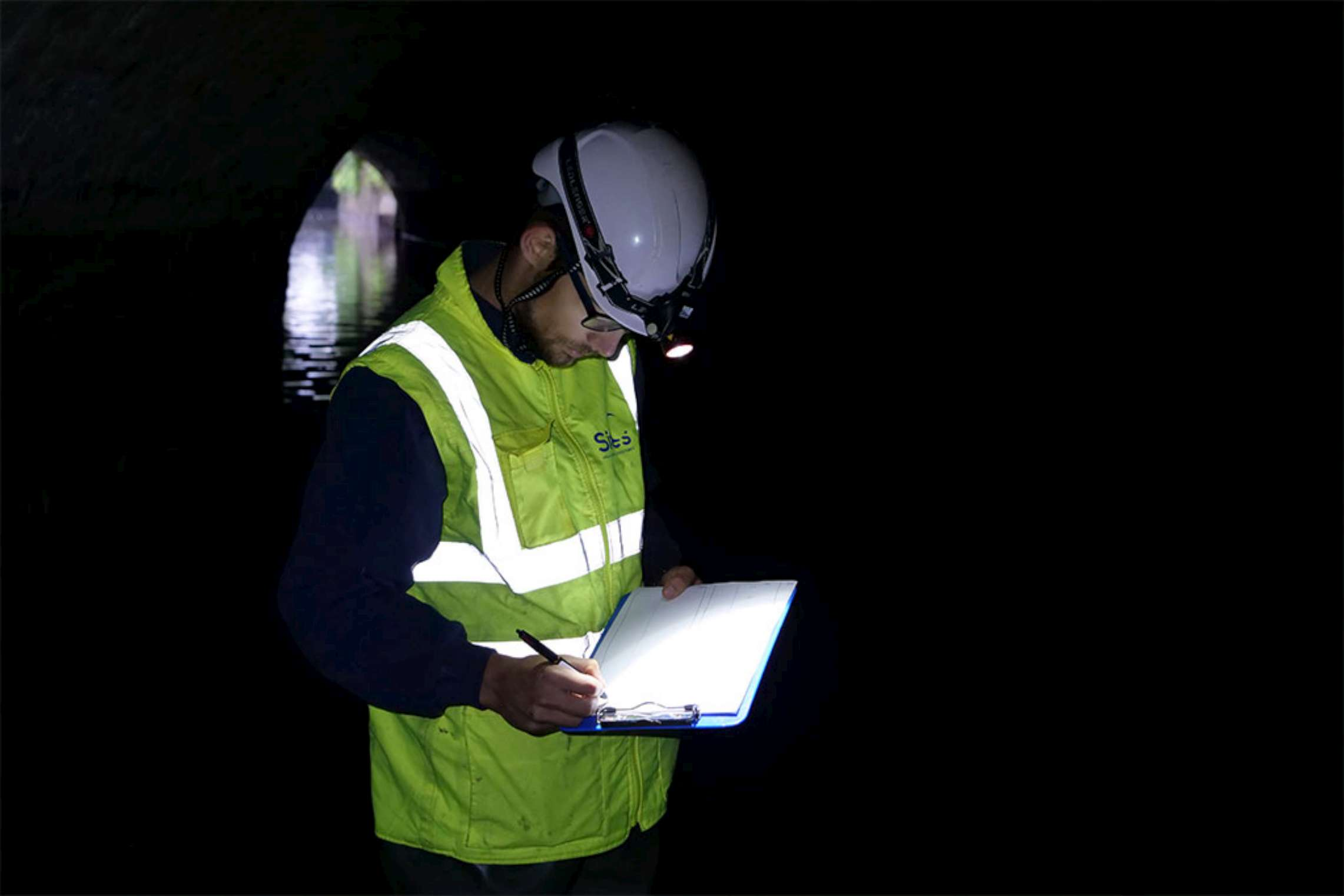 Inspection d'un tunnel canal